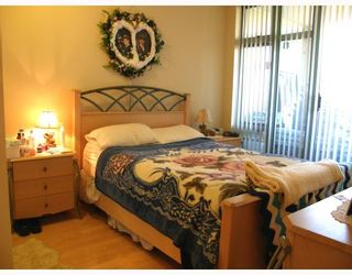 """Photo 4: 103 6659 SOUTHOAKS Crescent in Burnaby: Middlegate BS Condo for sale in """"GEMINI II"""" (Burnaby South)  : MLS®# V690763"""