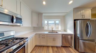 Photo 4: IMPERIAL BEACH House for sale : 4 bedrooms : 935 Emory St