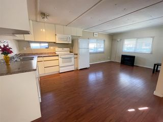 """Photo 3: 29 9132 120 Street in Surrey: Queen Mary Park Surrey Manufactured Home for sale in """"SCOTT PLAZA"""" : MLS®# R2577479"""