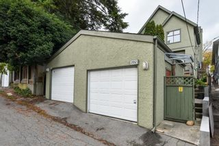Photo 4: 2052 E 5TH Avenue in Vancouver: Grandview Woodland 1/2 Duplex for sale (Vancouver East)  : MLS®# R2625762