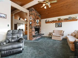 Photo 4: 721 PORTER Rd in VICTORIA: Es Old Esquimalt House for sale (Esquimalt)  : MLS®# 828633