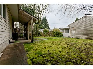 """Photo 5: 375 GUILBY Street in Coquitlam: Coquitlam West House for sale in """"CARIBOO/MAILLARDVILLE"""" : MLS®# V996440"""