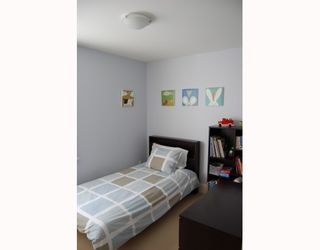 """Photo 7: 166 W 14TH Avenue in Vancouver: Mount Pleasant VW Townhouse for sale in """"HALLHAUS"""" (Vancouver West)  : MLS®# V811944"""