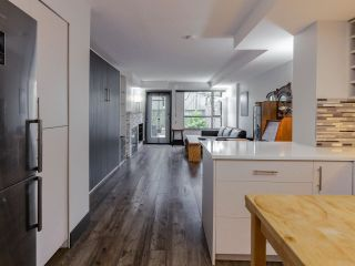 """Photo 4: 103 2741 E HASTINGS Street in Vancouver: Hastings Sunrise Condo for sale in """"The Riviera"""" (Vancouver East)  : MLS®# R2538941"""