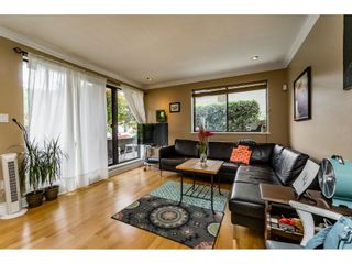 """Photo 3: 105 334 E 5TH Avenue in Vancouver: Mount Pleasant VE Condo for sale in """"VIEW POINTE"""" (Vancouver East)  : MLS®# R2087437"""