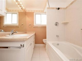 Photo 11: 833 Wollaston St in VICTORIA: Es Old Esquimalt House for sale (Esquimalt)  : MLS®# 739160