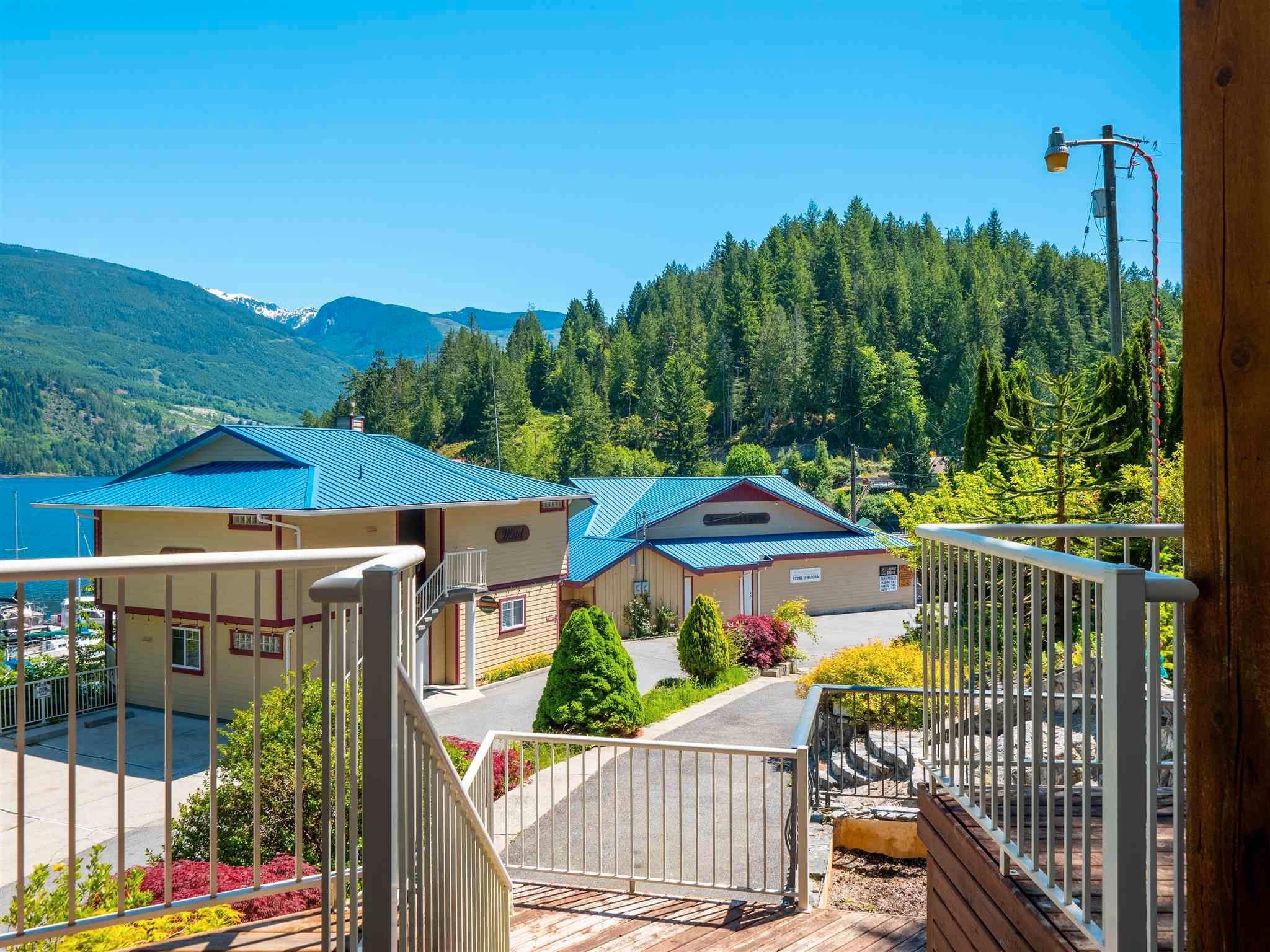 Photo 12: Photos: 6781 BATHGATE Road in Egmont: Pender Harbour Egmont House for sale (Sunshine Coast)  : MLS®# R2593981