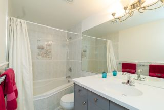 Photo 10: 4822 DUNDAS STREET in Burnaby: Capitol Hill BN House for sale (Burnaby North)  : MLS®# R2329701