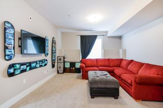 """Photo 17: 21125 80 Avenue in Langley: Willoughby Heights Condo for sale in """"Yorkson"""" : MLS®# R2394330"""
