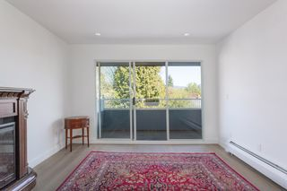 """Photo 6: 311 3875 W 4TH Avenue in Vancouver: Point Grey Condo for sale in """"Landmark"""" (Vancouver West)  : MLS®# R2567957"""