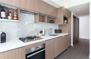 """Photo 7: 1756 38 SMITHE Street in Vancouver: Downtown VW Condo for sale in """"ONE PACIFIC"""" (Vancouver West)  : MLS®# R2106045"""
