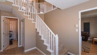 Photo 2: 459 Avery Crt in VICTORIA: La Thetis Heights House for sale (Langford)  : MLS®# 788269