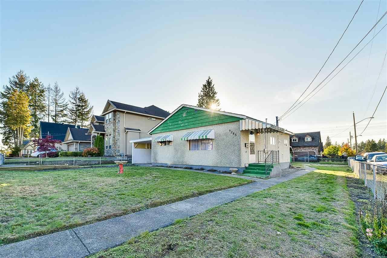 "Main Photo: 6245 126 Street in Surrey: Panorama Ridge House for sale in ""Panorama"" : MLS®# R2422606"