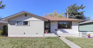 Photo 1: 2427 47 Street SE in Calgary: Forest Lawn Detached for sale : MLS®# A1150911