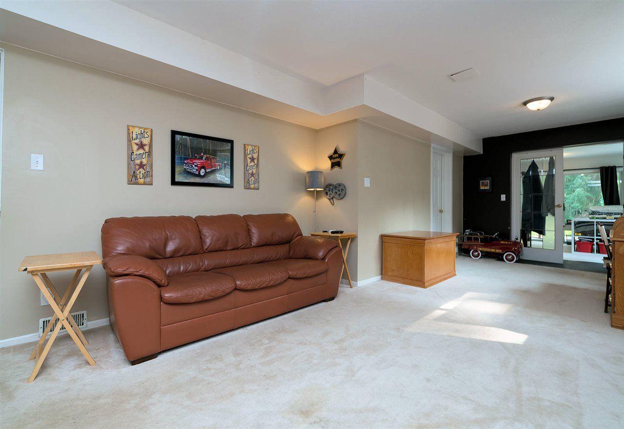 "Photo 14: Photos: 28258 MYRTLE Avenue in Abbotsford: Bradner House for sale in ""BRADNER"" : MLS®# R2456494"