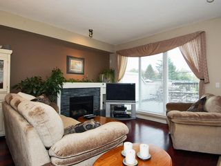 Photo 7: 53 7155 189 Street in Surrey: Clayton Townhouse for sale : MLS®# F2830925