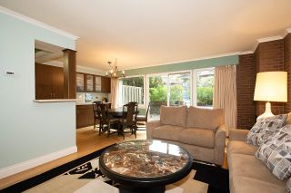 """Photo 6: 104 235 KEITH Road in West Vancouver: Cedardale Townhouse for sale in """"SPURAWAY GARDENS"""" : MLS®# R2518546"""