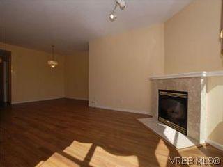 Photo 6: 330 188 Douglas St in VICTORIA: Vi James Bay Condo for sale (Victoria)  : MLS®# 549562