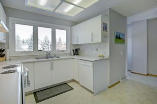 Photo 12: 6742 Leaside Drive SW in Calgary: Lakeview Detached for sale : MLS®# A1137827