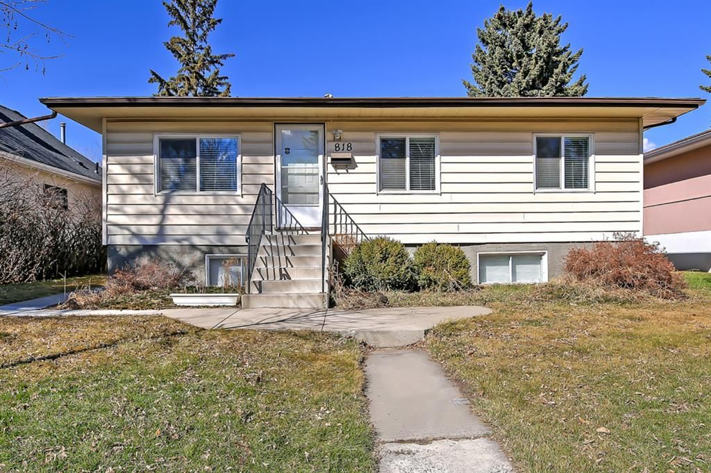 Main Photo: 818 68 Avenue SW in Calgary: Kingsland Detached for sale : MLS®# A1068540