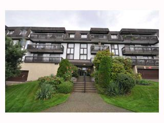 """Photo 4: 107 310 W 3RD Street in North Vancouver: Lower Lonsdale Condo for sale in """"DEVON MANOR"""" : MLS®# V788416"""