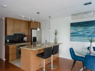 """Photo 4: 1006 1189 MELVILLE Street in Vancouver: Coal Harbour Condo for sale in """"The Melville"""" (Vancouver West)  : MLS®# R2519341"""