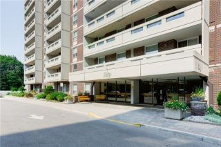 Photo 1: 611 60 Inverlochy Boulevard in Markham: Royal Orchard Condo for sale : MLS®# N3652061