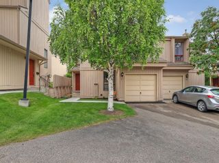 Photo 2: #57 70 BEACHAM WY NW in Calgary: Beddington Heights House for sale : MLS®# C4295026