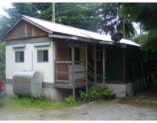 Photo 1: 11 5294 SELMA PARK Road in Sechelt: Sechelt District Manufactured Home for sale (Sunshine Coast)  : MLS®# V715206