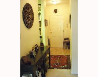 """Photo 3: 214 3760 W 6TH Avenue in Vancouver: Point Grey Condo for sale in """"MAYFAIR HOUSE"""" (Vancouver West)  : MLS®# V706811"""