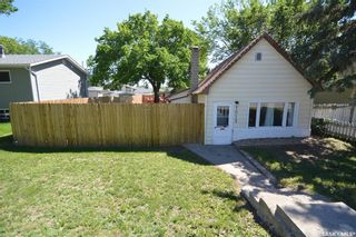 Photo 2: 1013 Athabasca Street East in Moose Jaw: Hillcrest MJ Residential for sale : MLS®# SK859686