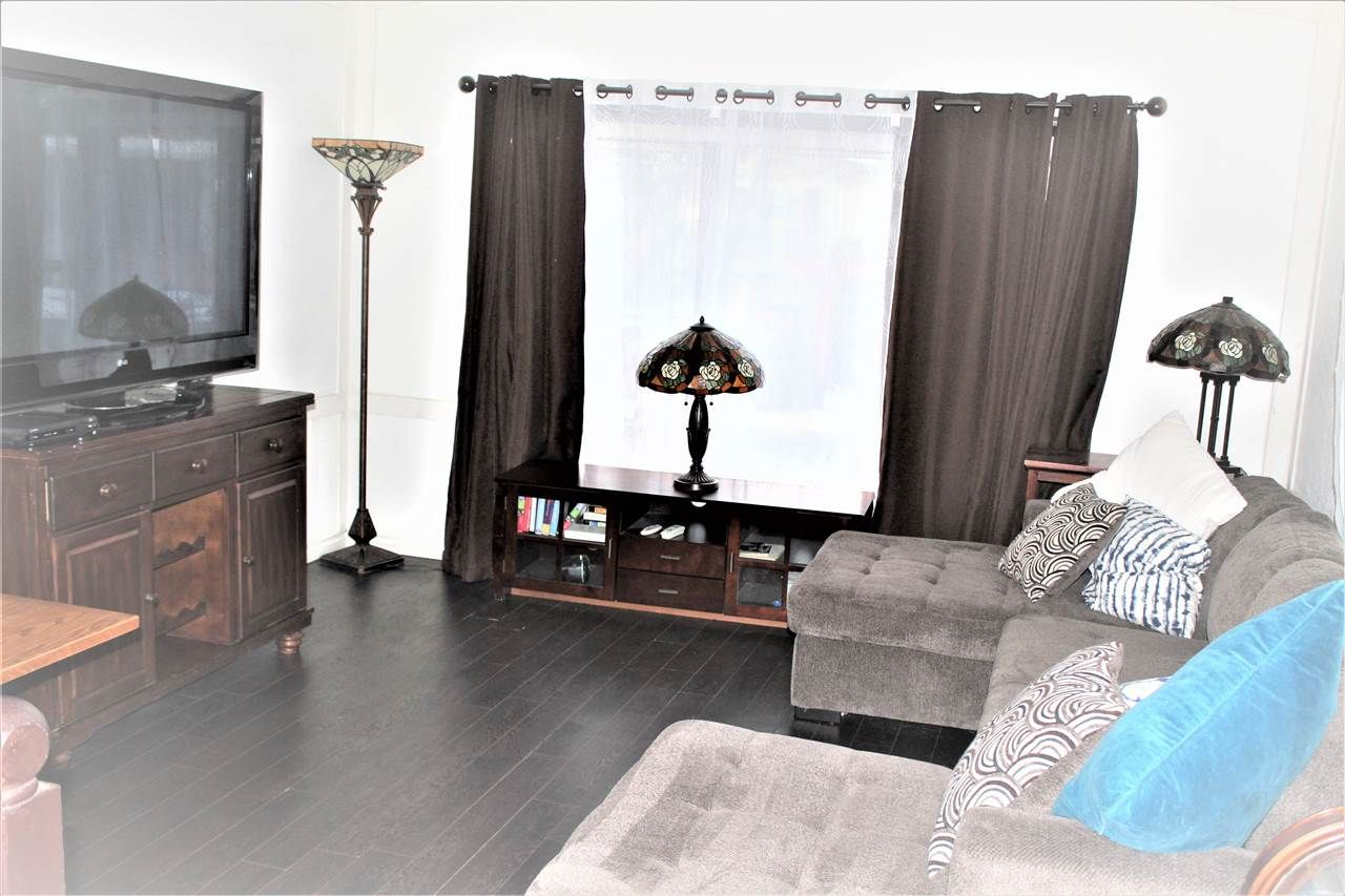 """Main Photo: 77 145 KING EDWARD Street in Coquitlam: Maillardville Manufactured Home for sale in """"MILL CREEK VILLAGE"""" : MLS®# R2429842"""