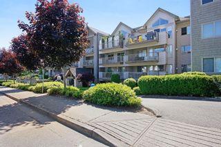 "Photo 1: 407 33478 ROBERTS Avenue in Abbotsford: Central Abbotsford Condo for sale in ""Aspen Creek"" : MLS®# R2173425"