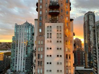 "Photo 13: 1602 1238 RICHARDS Street in Vancouver: Yaletown Condo for sale in ""The Metropolis"" (Vancouver West)  : MLS®# R2517666"