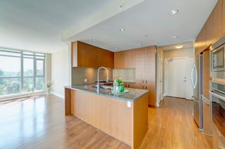 """Photo 3: 1603 3008 GLEN Drive in Coquitlam: North Coquitlam Condo for sale in """"M2 by Cressey"""" : MLS®# R2601038"""