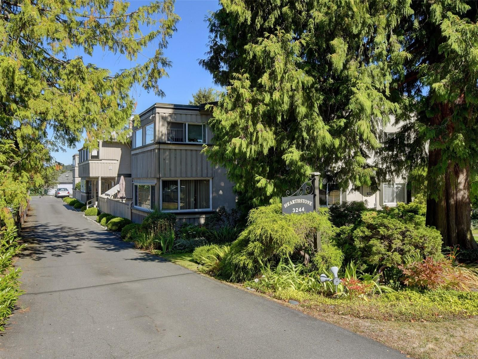 Main Photo: 105 3244 Seaton St in : SW Tillicum Condo for sale (Saanich West)  : MLS®# 852382