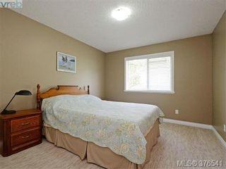 Photo 13: 4944 Haliburton Pl in VICTORIA: SE Cordova Bay House for sale (Saanich East)  : MLS®# 755988