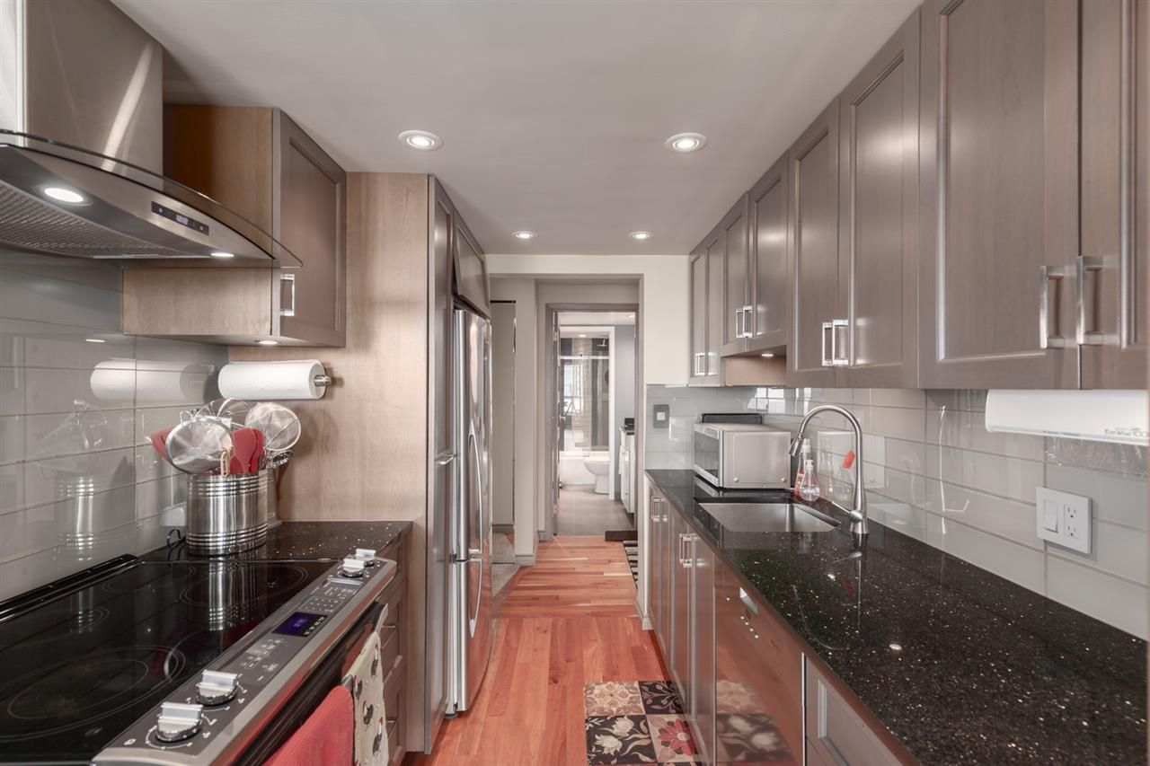 Main Photo: 1004 1515 EASTERN Avenue in North Vancouver: Central Lonsdale Condo for sale : MLS®# R2393667