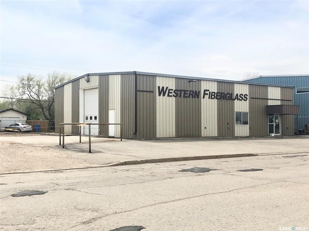 Main Photo: 326 5th Street in Estevan: Commercial for sale : MLS®# SK809177