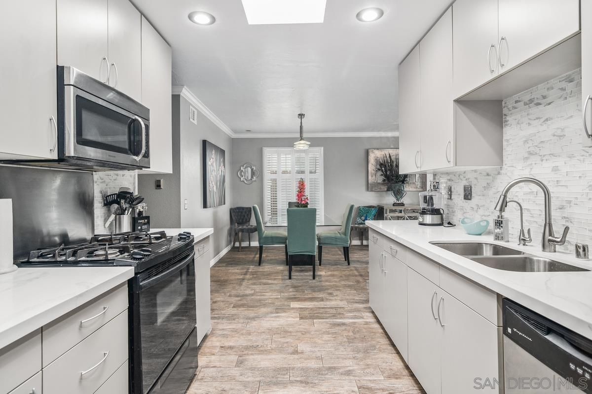 Main Photo: SAN DIEGO House for sale : 3 bedrooms : 839 Banneker Dr