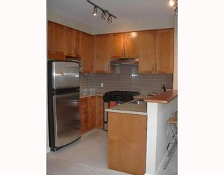 """Photo 5: 405 4883 MACLURE MEWS BB in Vancouver: Quilchena Condo for sale in """"MATTHEWS HOUSE"""" (Vancouver West)  : MLS®# V765185"""