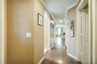 """Photo 3: 106 9045 WALNUT GROVE Drive in Langley: Walnut Grove Townhouse for sale in """"BRIDLEWOODS"""" : MLS®# R2573586"""