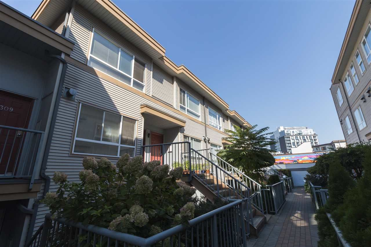 """Photo 17: Photos: 310 2688 WATSON Street in Vancouver: Mount Pleasant VE Townhouse for sale in """"Tala Vera"""" (Vancouver East)  : MLS®# R2304715"""