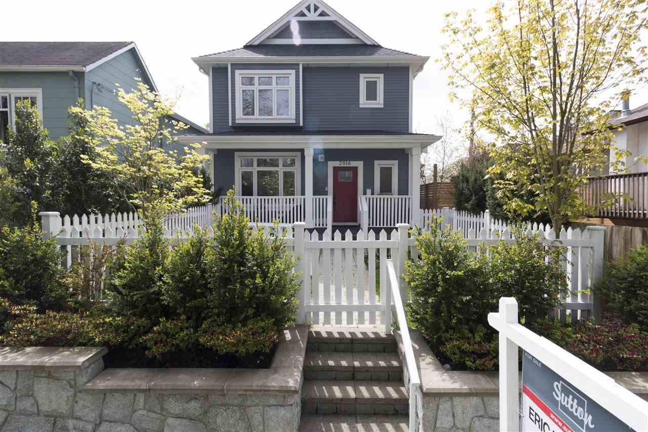 Main Photo: 2016 E 2ND Avenue in Vancouver: Grandview VE 1/2 Duplex for sale (Vancouver East)  : MLS®# R2357305