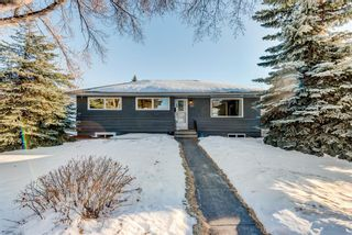 Photo 2: 100 Westwood Drive SW in Calgary: Westgate Detached for sale : MLS®# A1057745