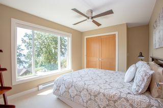 Photo 17: 90 HEAD Road in Gibsons: Gibsons & Area House for sale (Sunshine Coast)  : MLS®# R2194939