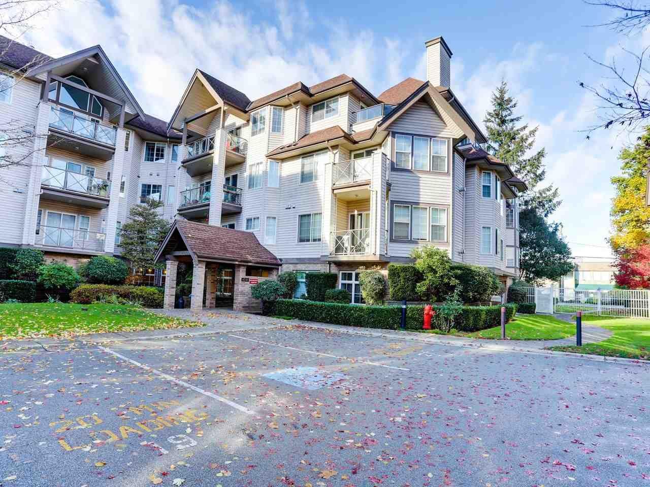"Main Photo: 102 4745 54A Street in Delta: Delta Manor Condo for sale in ""ADLINGTON COURT"" (Ladner)  : MLS®# R2517301"