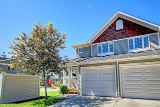 Photo 2: 51 COUNTRY VILLAGE Villas NE in Calgary: Country Hills Village Row/Townhouse for sale : MLS®# C4280455