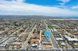 Photo 7: IMPERIAL BEACH House for sale : 2 bedrooms : 745 13th St