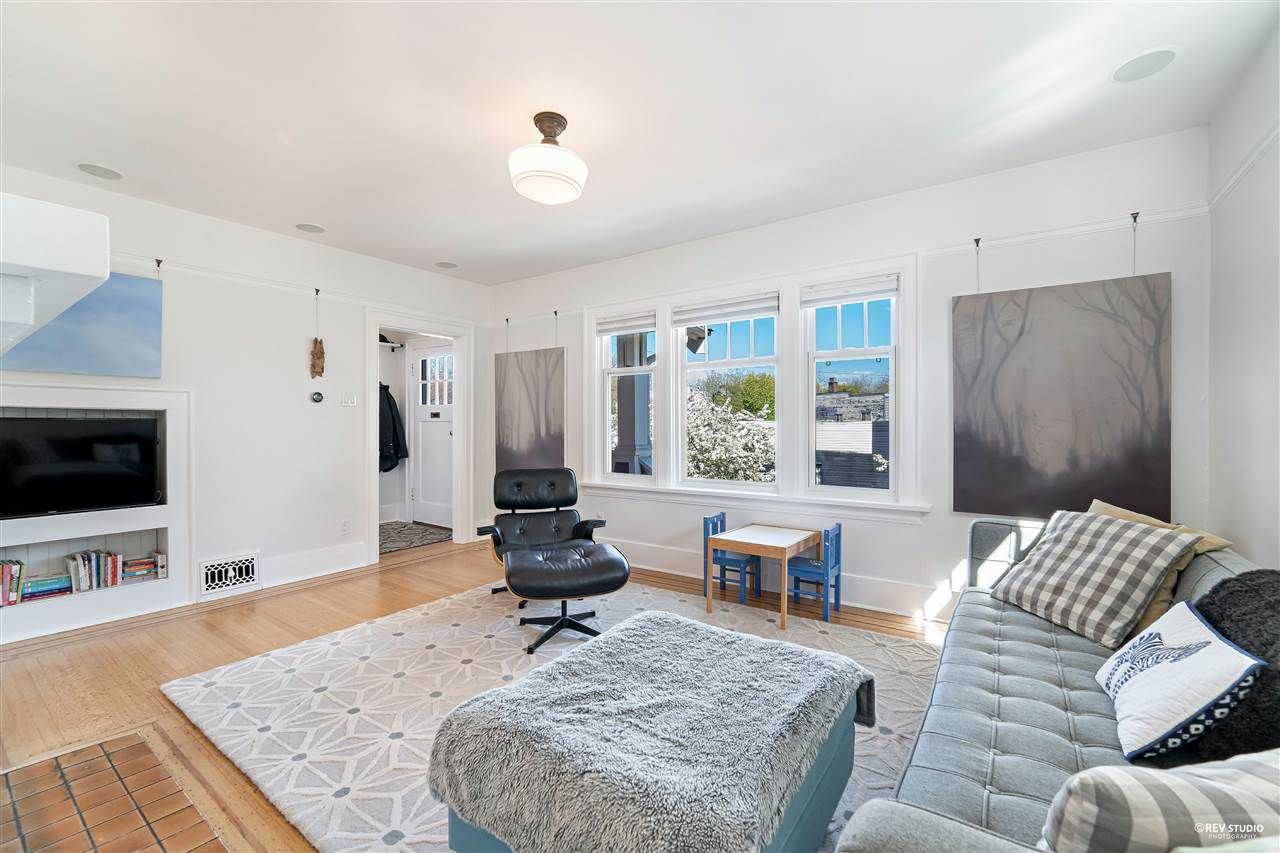 Main Photo: 3805 CLARK Drive in Vancouver: Knight House for sale (Vancouver East)  : MLS®# R2575532